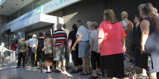 Ποιοι συνταξιούχοι απειλούνται με νέες μειώσεις άνω του