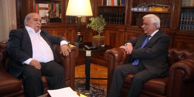 Πρώτη συνάντηση Βούτση - Παυλόπουλου: «Καλή επιτυχία σε δύσκολους