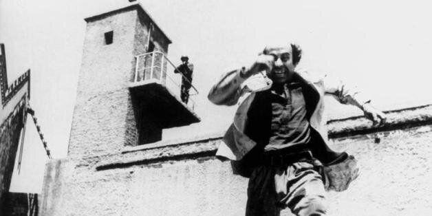 Aπό το Θανάση Βέγγο στο Μπλόκο της Κοκκινιάς: Eννιά ταινίες για την κατοχή και την απελευθέρωση της Αθήνας...