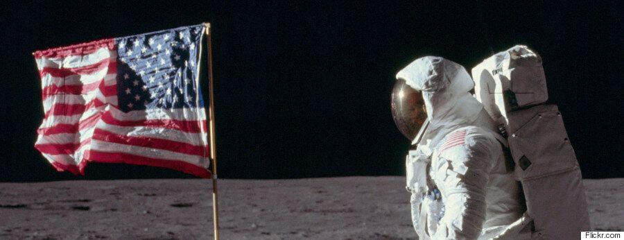 Ο άνθρωπος στο φεγγάρι μέσα από 11.600 φωτογραφίες του προγράμματος
