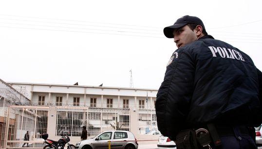 Ποινικοί και «τρομοκράτες»: ένα αίνιγμα σε
