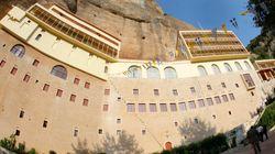 Εκλάπη το ιερό λείψανο του Αγίου Χαραλάμπους από την ιερά μονή του Μεγάλου