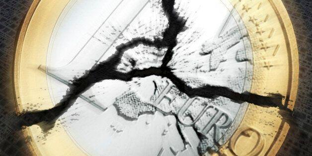 digital visualization of an broken euro