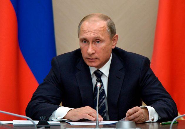 Ρωσικοί βομβαρδισμοί με δεκάδες νεκρούς αμάχους στη