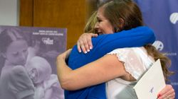 Συνάντησε μετά από 38χρόνια τη νοσοκόμα που την περιέθαλψε από τα εγκαύματά της όταν ήταν