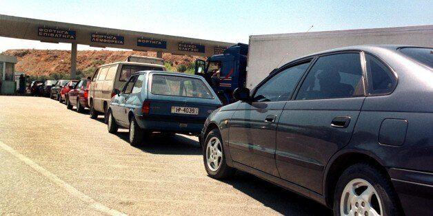 Αυξημένη η κίνηση στα ΚΤΕΟ. Τα πρόστιμα για όσους δεν περάσουν από έλεγχο τα οχήματά τους. Οι καταληκτικές