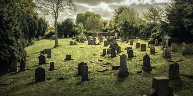 Tombstones in Carriden next to the old parish