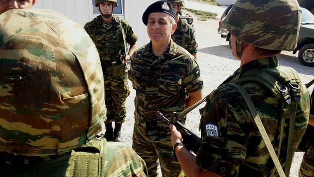 Ο Καμμένος στο «χακί»: Φορώντας στρατιωτικό τζάκετ παρευρέθηκε στην άσκηση