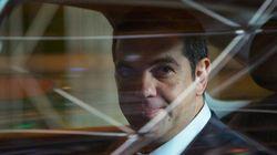 Η στιγμή που ο Αλέξης Τσίπρας φτάνει στο ξενοδοχείο του στο