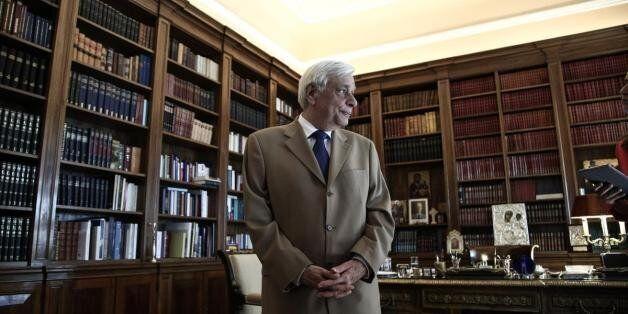 Παυλόπουλος: Να μετριάσουμε τις υπερβολικές προσδοκίες για λύση του