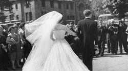 Αποκαλύφθηκε το μυστηριώδες ζευγάρι της πιο εντυπωσιακής γαμήλιας φωτογραφίας που κατάφερε να γίνει