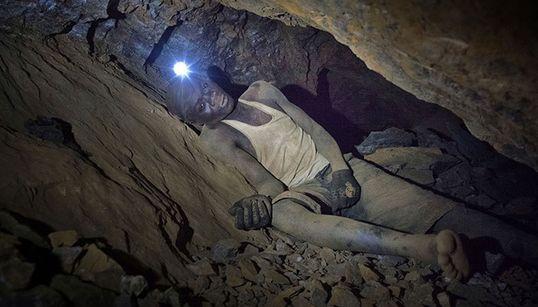 «Σκάβοντας το Μέλλον»: 20 φωτογραφίες που δείχνουν το πραγματικό τίμημα εξόρυξης του
