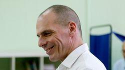 Ο Βαρουφάκης σπεύδει να βοηθήσει τους Βρετανούς Εργατικούς μετά τη νίκη του Τζέρεμι