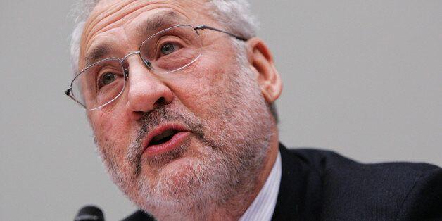 ARCHIV: Der US-amerkianische Wirtschaftsnobelpreistraeger Joseph Stiglitz sagt in Washington (USA) vor...