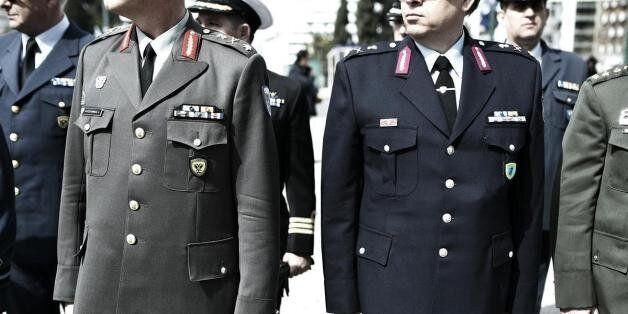 Τι και αν είστε στρατωτικός; Τατουάζ και piercing είναι πλέον