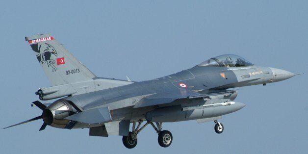 Επιδρομές της τουρκικής πολεμικής αεροπορίας κατά βάσεων του ΡΚΚ. Δεκάδες