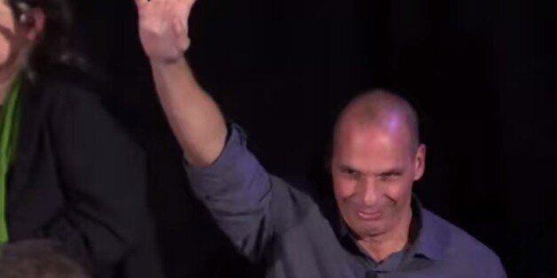 Ο Γιάνης Βαρουφάκης μίλησε σε εκδήλωση κατά της λιτότητας στο Λονδίνο: Ο εξόριστος διανοούμενος