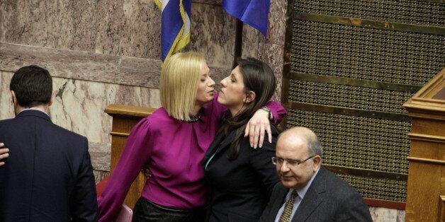 Ραχήλ Μακρή προς Κωνσταντοπούλου: «Σε ευχαριστώ που δεν παρέδωσες την σφραγίδα στους