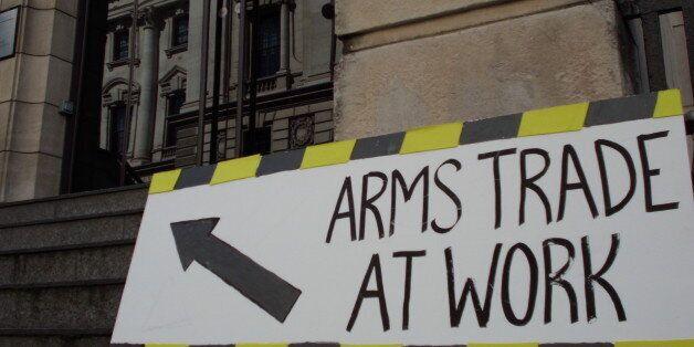 Βρετανία:Αντιδράσεις για το διεθνές ραντεβού αγοραστών και εμπόρων όπλων στην μεγαλύτερη έκθεση