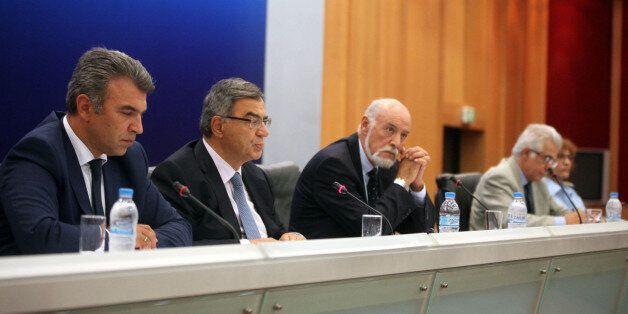 Έντονη κριτική της κυβέρνησης στην Κομισιόν για το μεταναστευτικό και εξειδίκευση των μέτρων κατά την...