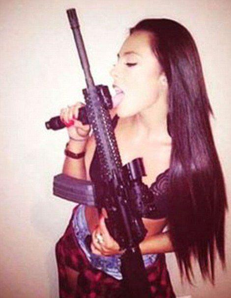 Μεξικό: Τα καρτέλ των ναρκωτικών το «γλεντούν» στο Instagram: Όπλα, τίγρεις, ακριβά αυτοκίνητα και ωραίες