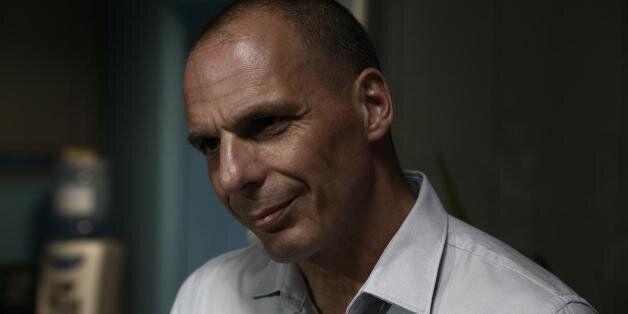 Βαρουφάκης: Θα είχε ενδιαφέρον αν καταδικαστώ για εσχάτη προδοσία. Έτσι θα τους ξεσκεπάσω