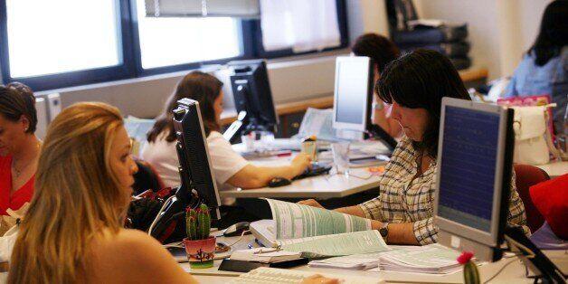 ΥΠΟΙΚ: Καμιά παράταση στις φορολογικές δηλώσεις. Ισχύουν οι κυρώσεις για τις