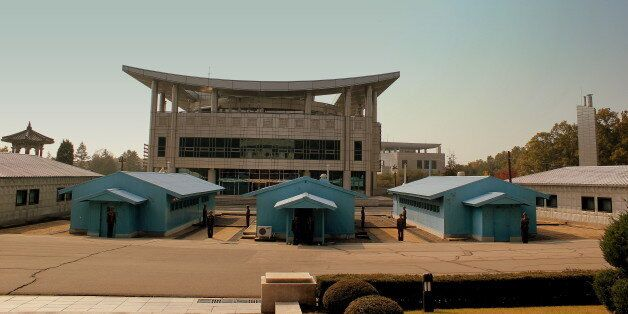 IN THE JSA(JOINT SECURITY AREA AT THE 38 PARALLEL BOARDER VILLAGE OF SOUTH AND NORTH