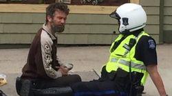 Le geste d'un policier d'Halifax touche les