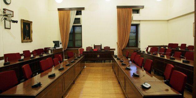 Σχεδόν μόνη η Κωνσταντοπούλου στη Διάσκεψη των Προέδρων – Δεν πήγαν τα κόμματα πλην της Λαϊκής