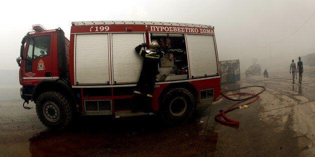 Υπό έλεγχο η πυρκαγιά που ξέσπασε σε παραπήγματα Ρομά στην οδό