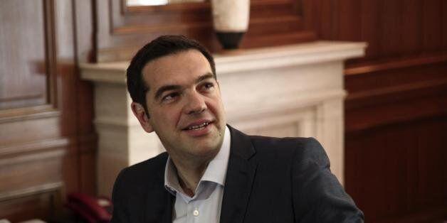 Τσίπρας: Το πολιτικό σύστημα οφείλει να ανταποκρίνεται στο κοινό