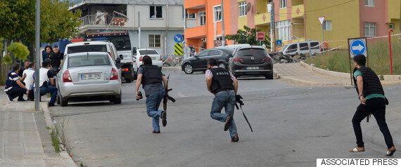 Πυροβολισμοί εναντίον του προξενείου των ΗΠΑ και έκρηξη σε αστυνομικό τμήμα στην