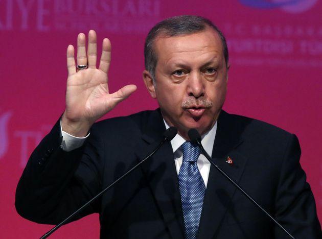 Επιχείρηση σε στρατιωτικό και πολιτικό επίπεδο από την Τουρκία για να «τελειώσει» το κουρδικό