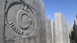 Η Τουρκία ύψωσε τείχος και άνοιξε τάφρους στα σύνορα με τη Συρία για να «κρατήσει» μακριά το Ισλαμικό