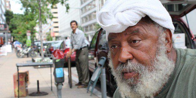 Η ιστορία του πιο μορφωμένου άστεγου στον