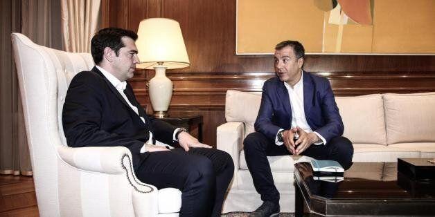 Θεοδωράκης: «Δεν κάνουν έτσι οι ηγέτες, φίλε Αλέξη. Δεν κάνουν έτσι οι