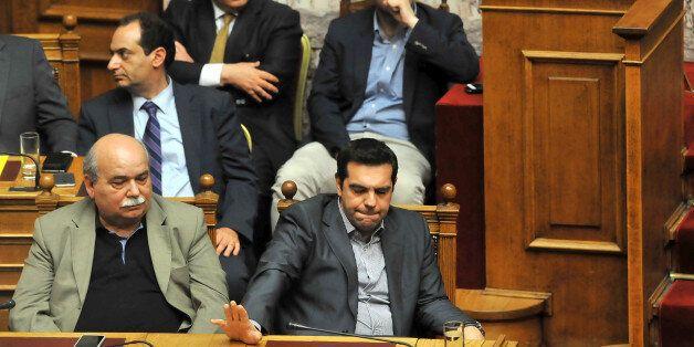 Μετά τις Βρυξέλλες ο Αλέξης Τσίπρας θα ασχοληθεί με τα εσωκομματικά. Οι διαγραφές και τα σενάρια ανασχηματισμού...
