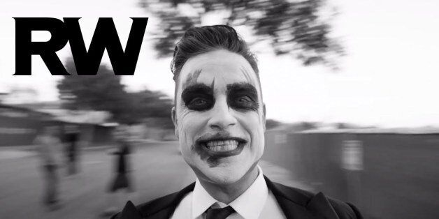 Robbie Williams: «Eλλάδα είσαι μαζί μου; Άφησε με να σε