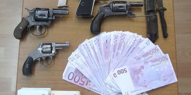 Διευθυντής τράπεζας στην Αθήνα διαφήμιζε τη χρεοκοπία και το capital control και «δάγκωσε» 1,2 εκατ....