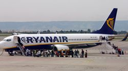 Ryanair: Εισιτήρια με μετρητά θα μπορούν να αγοράζουν οι Έλληνες, λόγω προβλημάτων με