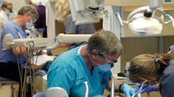 Οδοντίατροι στο Σίδνει ενδέχεται να μόλυναν από αμέλεια 11.000 ασθενείς με τον ιό HIV και με