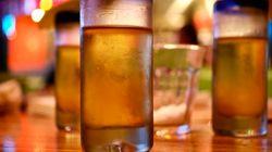 Καθηγήτρια χημείας στο Μεξικό δίδασκε στους μαθητές της πώς να πίνουν