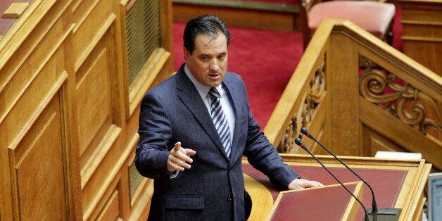Γεωργιάδης εναντίον Βαξεβάνη στο Twitter: Για εμένα έκανες χαμό, για τον Καμμένο δεν λες