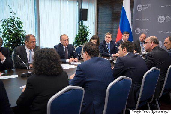 Θερμό κλίμα στη συνάντηση Τσίπρα - Πούτιν αλλά χωρίς συζήτηση για οικονομική