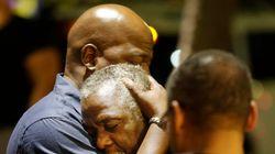 ΗΠΑ: Συνελήφθη ο 21χρονος που σκόρπισε το θάνατο σε εκκλησία Αφροαμερικανών - Είχε μπουφάν με σημαίες του
