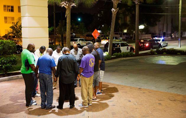 ΗΠΑ: Συνελήφθη ο 21χρονος που σκόρπισε το θάνατο σε εκκλησία Αφροαμερικανών - Είχε μπουφάν με σημαίες...