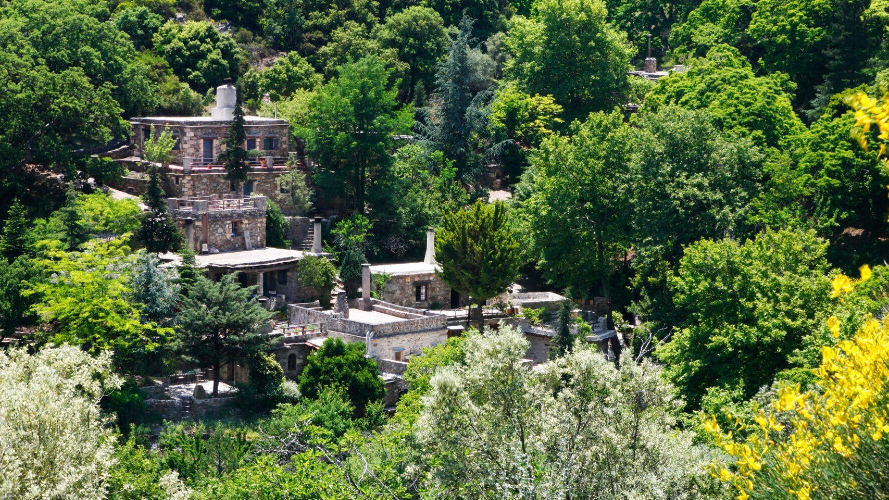 Μηλιά Χανίων: Το οικολογικό χωριό που προσκαλεί τους επισκέπτες του να κάνουν διακοπές χωρίς ρεύμα | HuffPost Greece LIFE