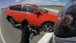 Σώθηκε κυριολεκτικά παρά τρίχα: Ήρθε με την όπισθεν και του έκανε τη μοτοσικλέτα