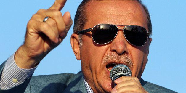Ο πόλεμος του Ερντογάν με τα διεθνή